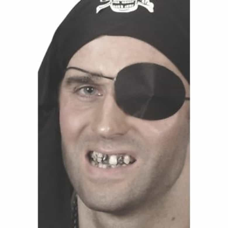 black teeth on pirate